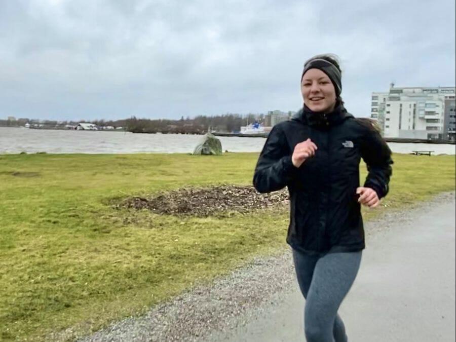 Dehnübungen nach dem Laufen – 5 Yogaposen mit Alina
